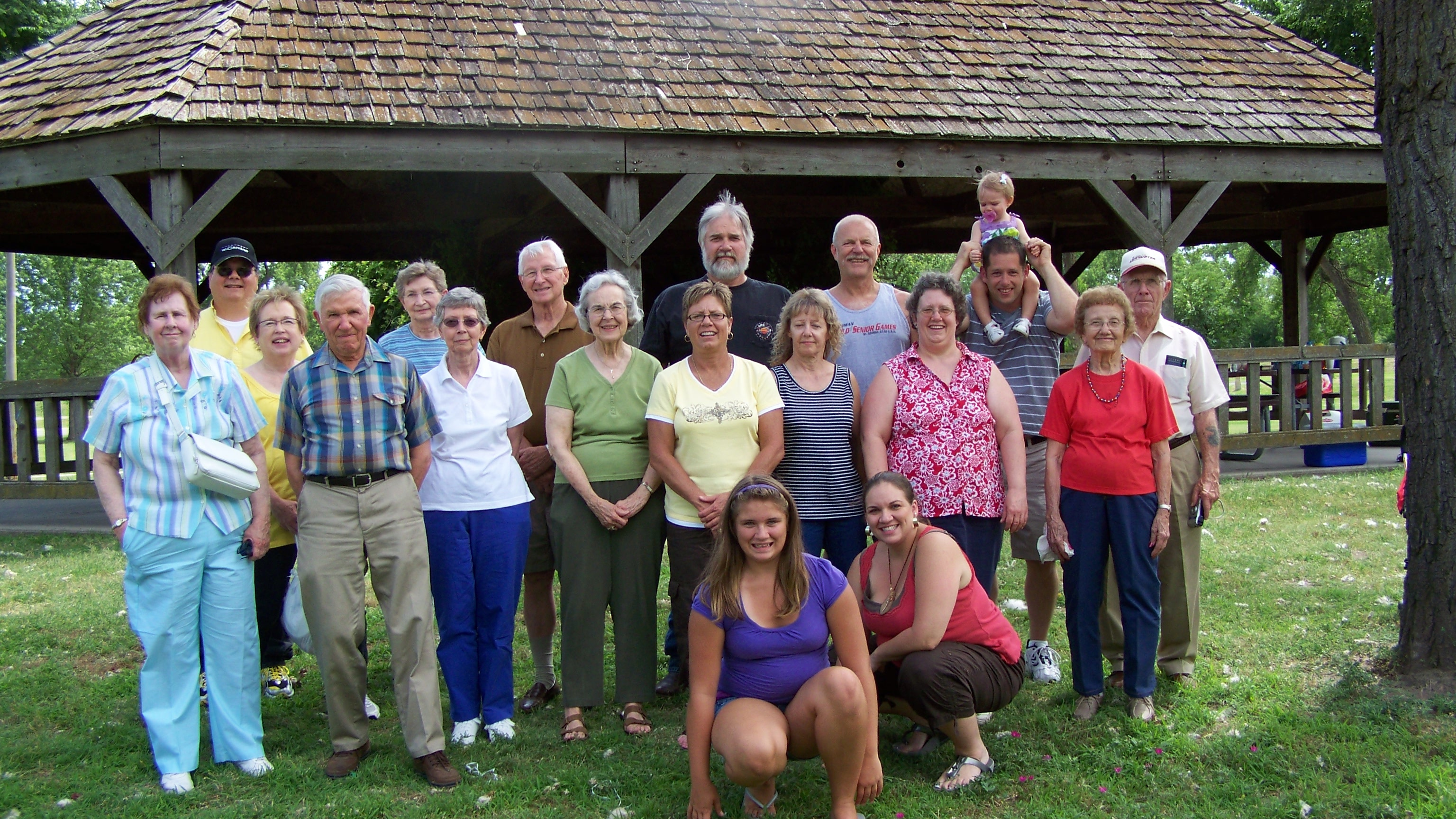 Big picture Family Reunion 2010.JPG