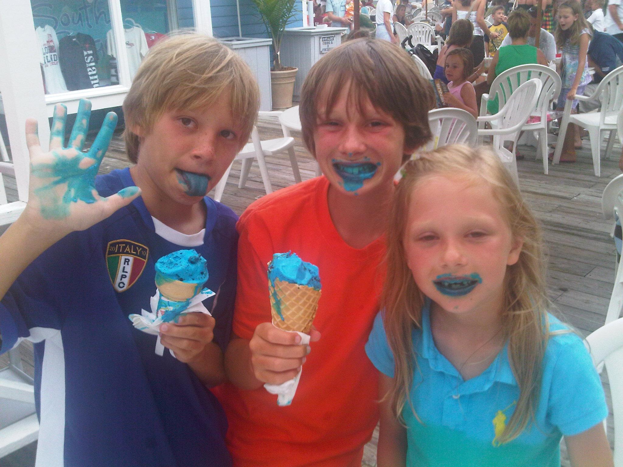 IMG00095-20100803-1902[1].jpgIce cream, ice cream we scream for ice cream!