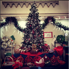 Christmas Tree in Cafe.png