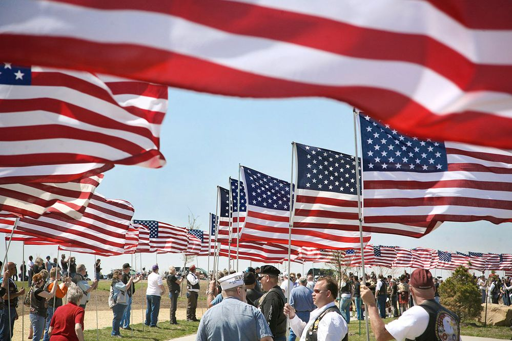 iowa-veterans-cemetery-flags.jpg