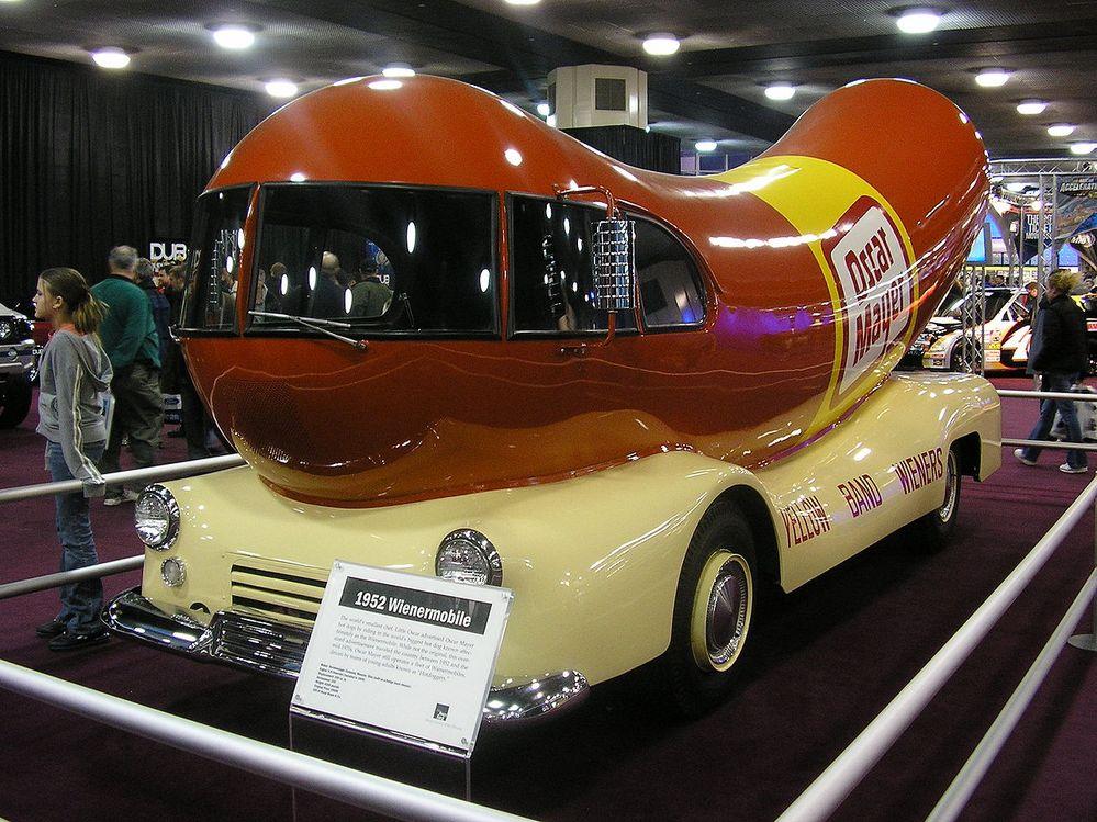 1280px-Wienermobile-NAIAS-2005.jpg
