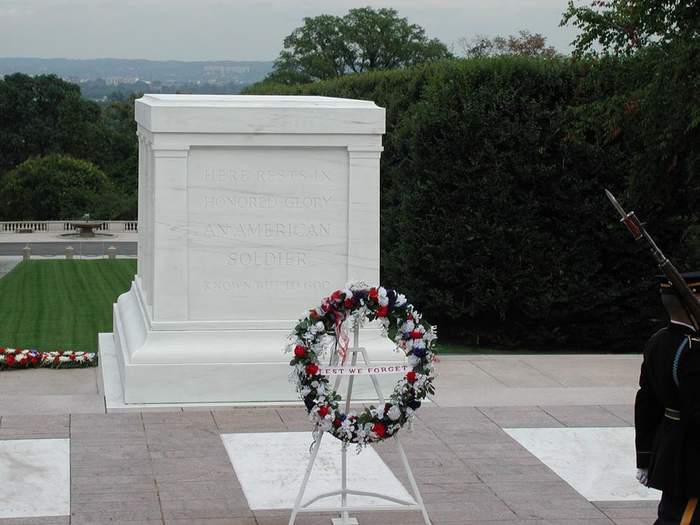 Tomb_of_the_Unknowns.jpg