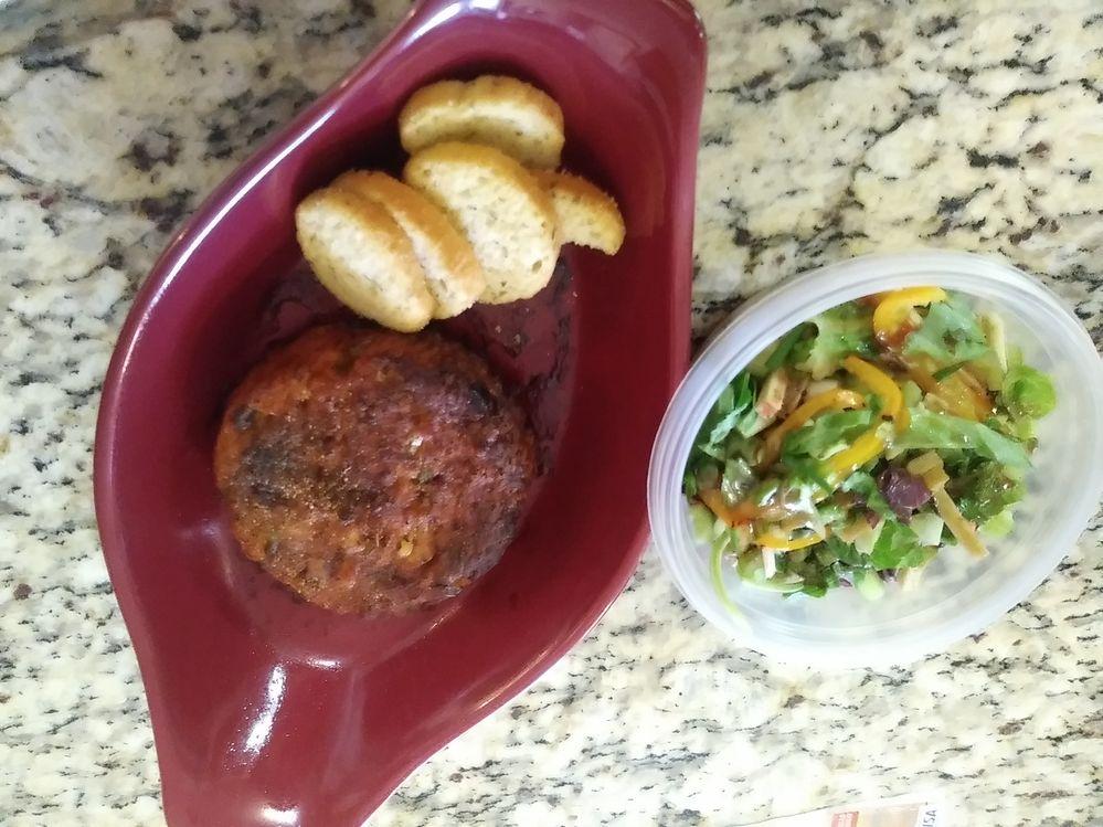 Salmon-salad & Bruschetta toast