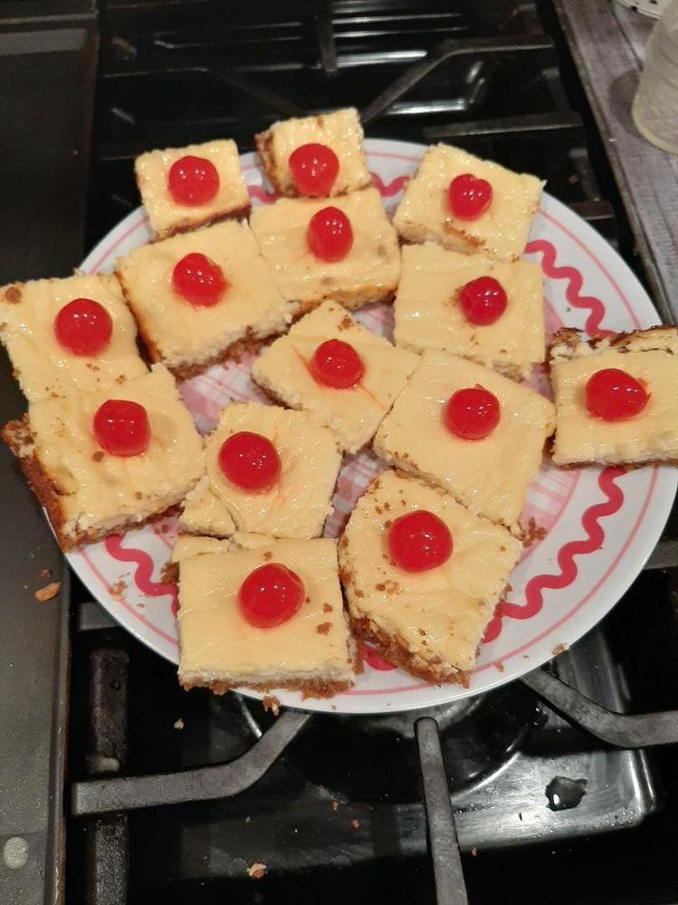Skinny Pineapple Cheesecake bars