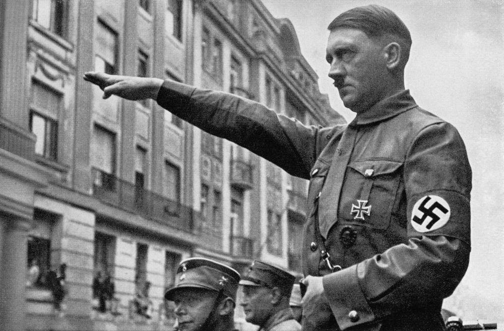 heinrich-hoffmann-hitler-nazi-party-rally-10.jpg