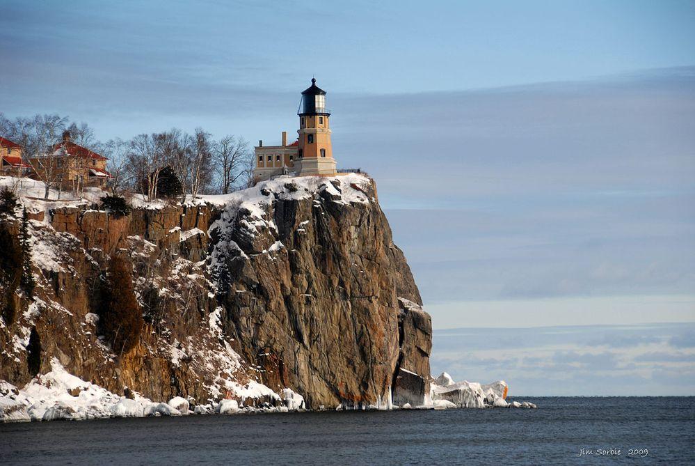 Split_Rock_Lighthouse_-_Lake_County,_Minnesota_-_8_Jan._2009.jpg