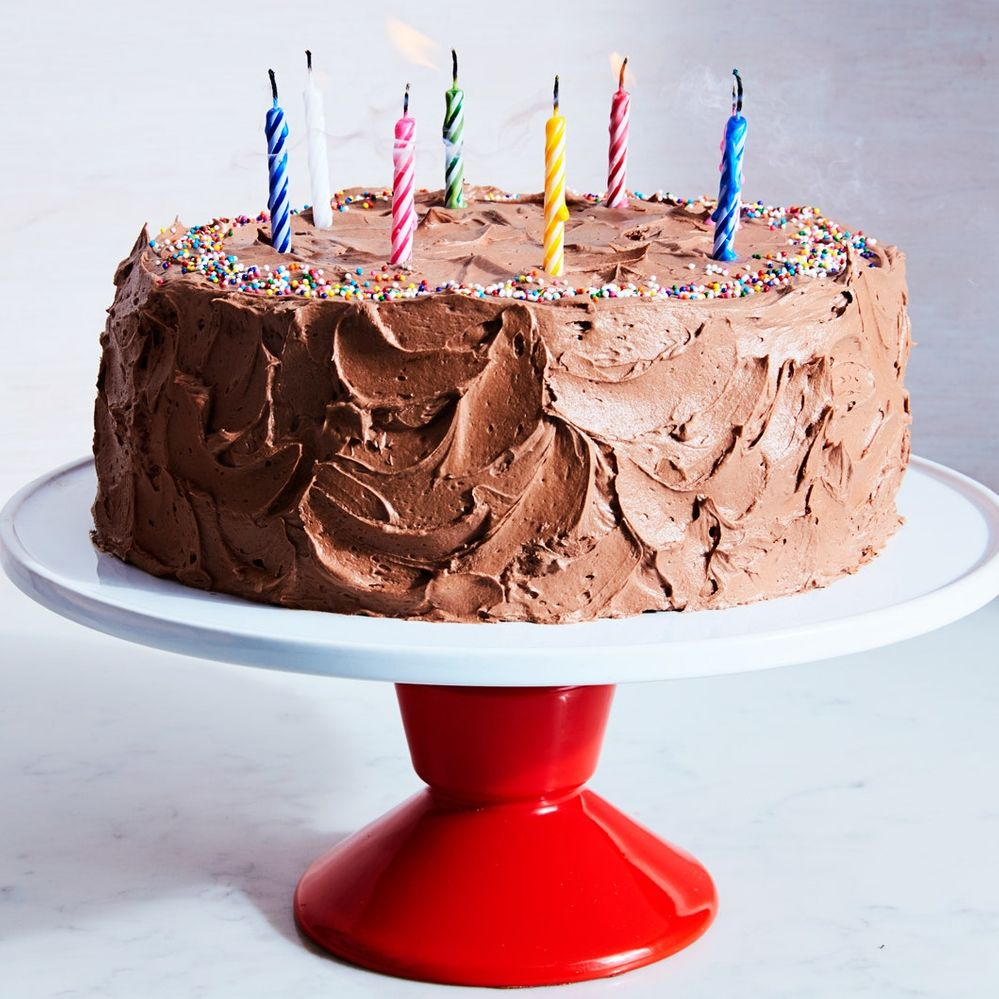 CALSSIC-YELLOW-CAKE-with-chocolate-frosting-09062017.jpg