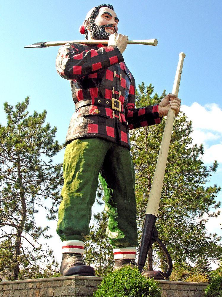 1280px-Paul_Bunyan_statue_in_Bangor,_Maine.jpg