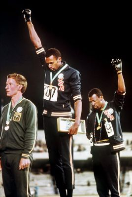 sports-olympics-moments-tommie-smith-John-Carlos-black-power-salute-687x1024.jpg