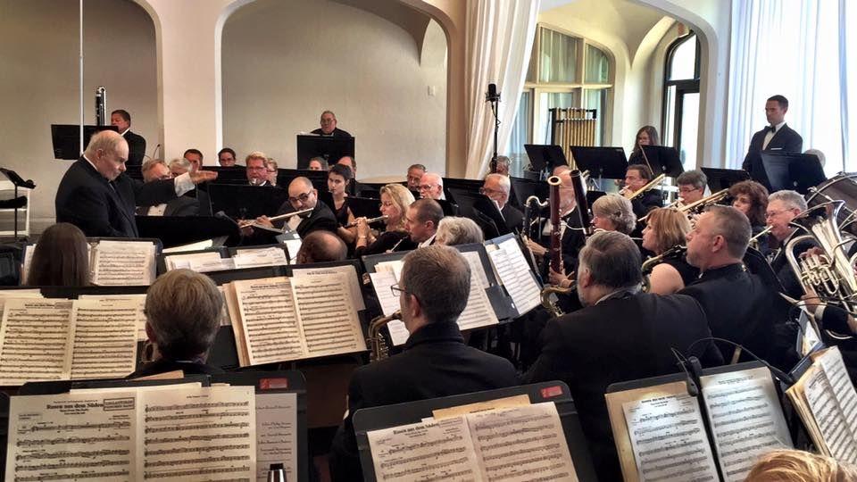 Bob Meehan conducting the Callanwolde Concert Band