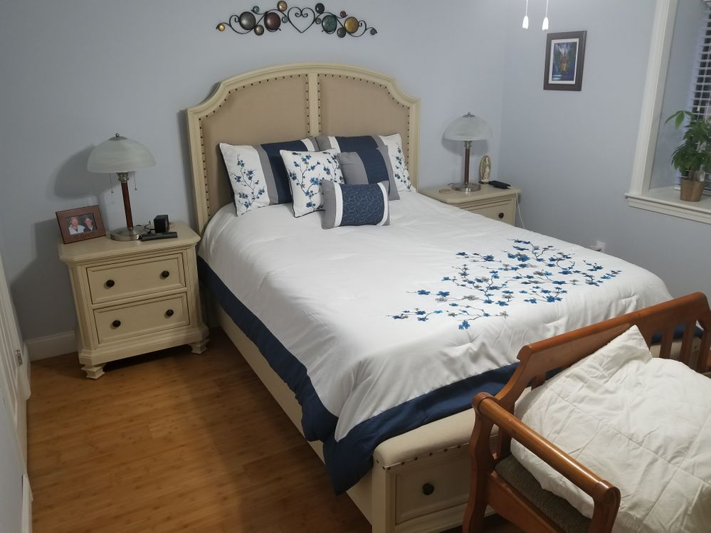 queen bed and night stands 07-2017 Bobs part of 1600 dollar set.jpg