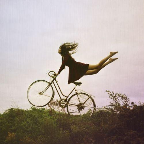 bike-fly-girl-junel-photoshop-Favim.com-88221.jpg