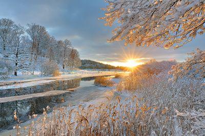 sunrise over snow.jpg
