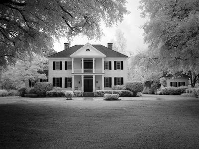 manor-house-1638766_1280.jpg