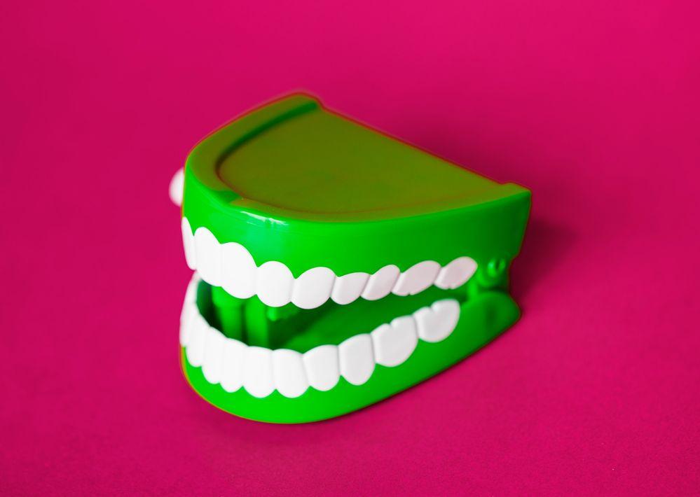 Periodontal Disease and Dental Implants Is It Possible.jpg