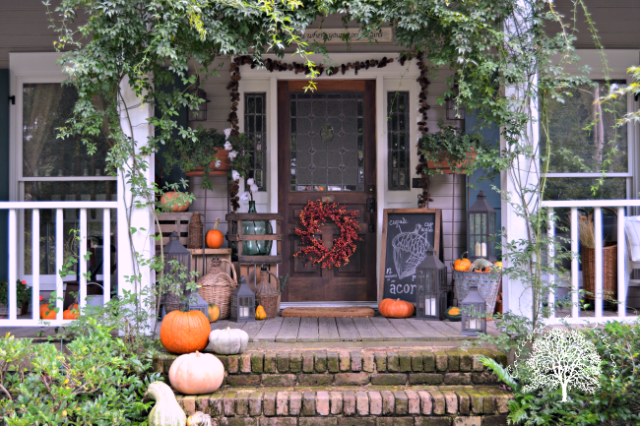 15-autumn-front-porch.png