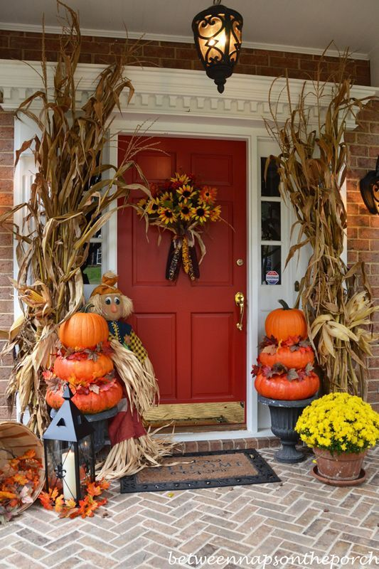 18-autumn-porch-with-pumpkin-topiaries-01.jpg