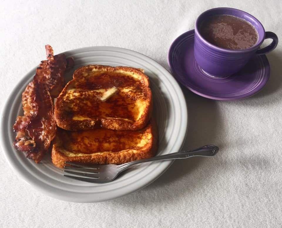 A Fiestaware breakfast!