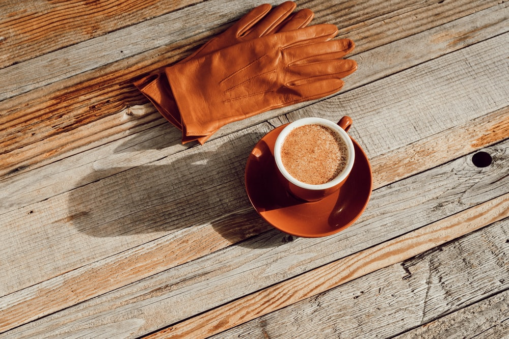 gloves and coffee.png