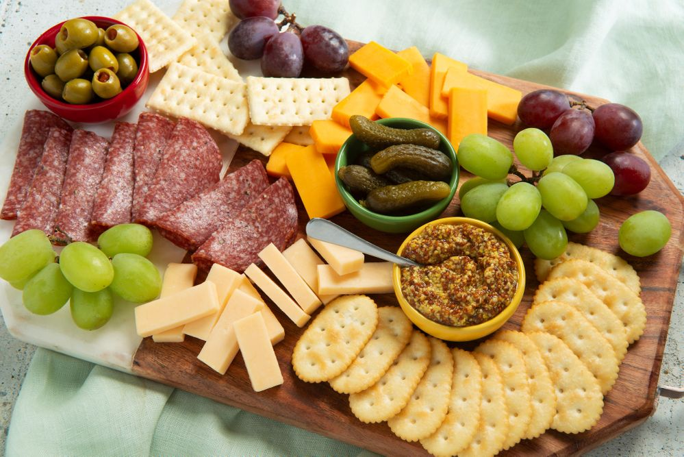 recip_img-7524220_club-easy_sausage_cheese_platter-023.jpg