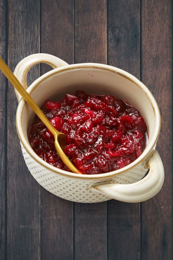 thanskgiving-sides-cranberry-sauce-1542135684.jpg